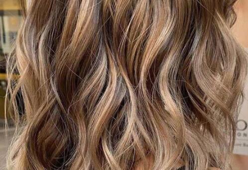 Comment tremper vos cheveux avec Kool Aid