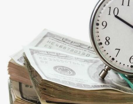 Liste de contrôle du bien-être financier et utilisation d'un bulletin pour économiser de l'argent