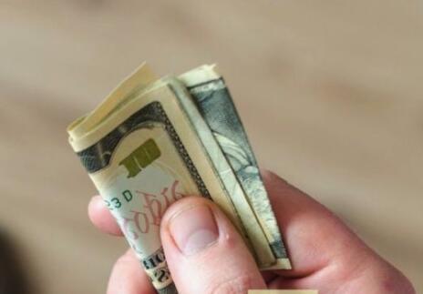 Transformez les tâches estivales des enfants en une gestion intelligente de l'argent