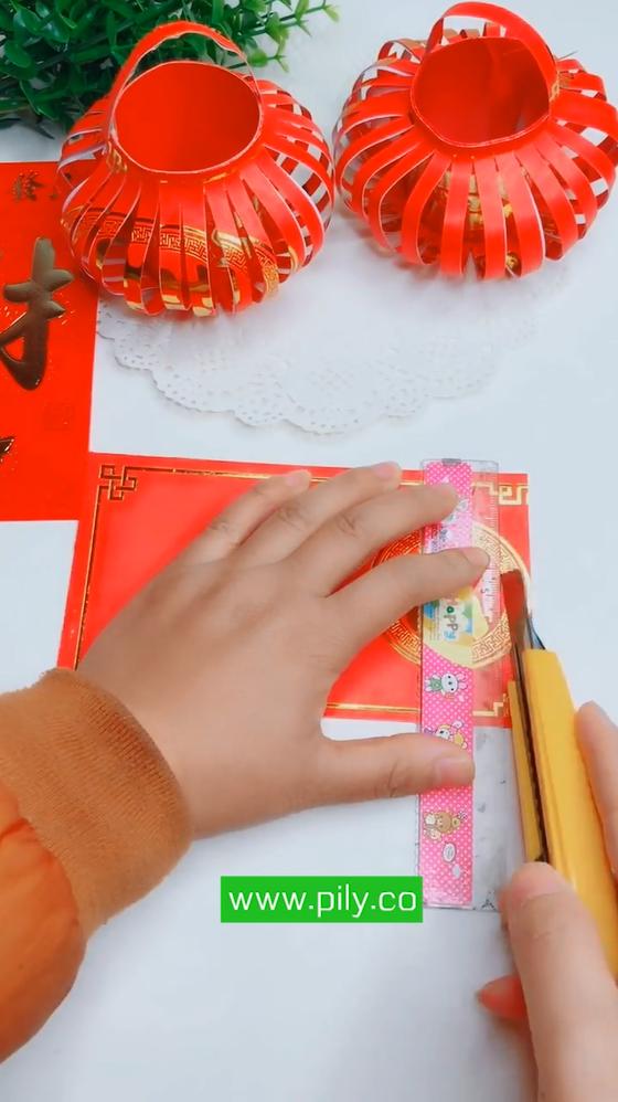 red envelope lantern origami
